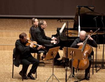 Raphael Oleg, violin, François Guye, cello et Christian Favre, piano -2013